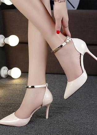 一款气质尖头鞋就能让你美翻天