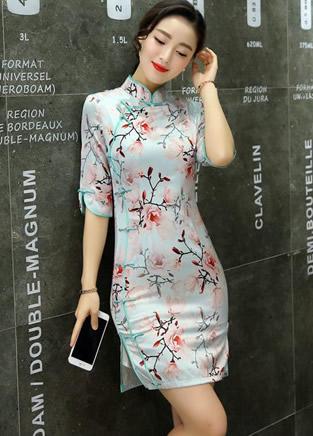 婉转柔美的时尚旗袍