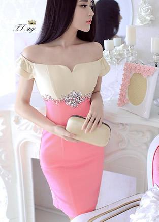 时尚魅影一字领连衣裙红粉佳人