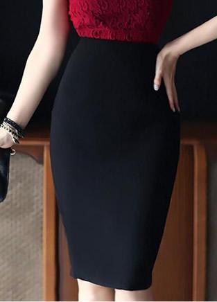 超显臀部曲线的半身包臀裙 性感又有女人味