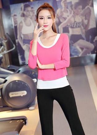10款优雅瑜伽服,让你轻松做一个运动美人