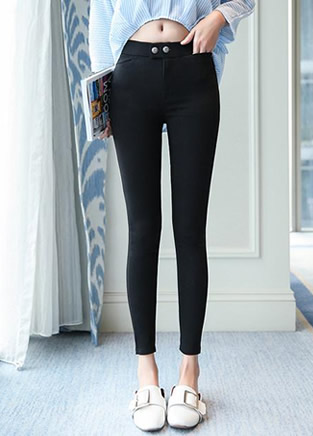 春季完美时尚紧身裤,圆润臀部曲线美
