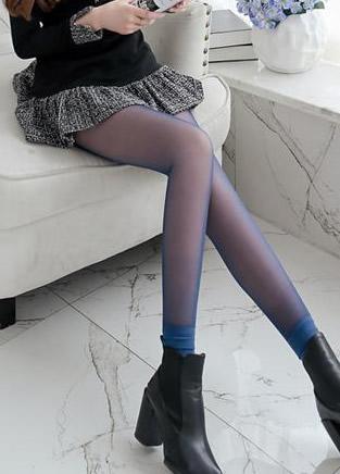修身提臀的紧身打底裤,翘出女生的小性感