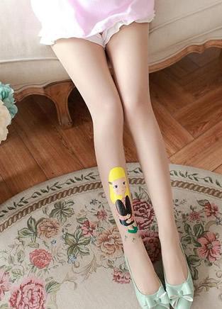 优雅复古风的印花丝袜,很优雅也很甜美