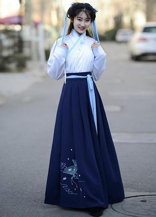 民族风汉服长裙,时髦好看充满仙气