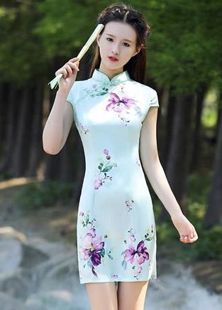 想要穿出前凸后翘的身材吗?一条旗袍就够了!