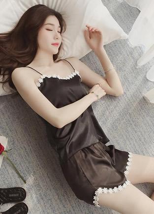 凉爽背心的睡衣,告别夏季长裙睡衣