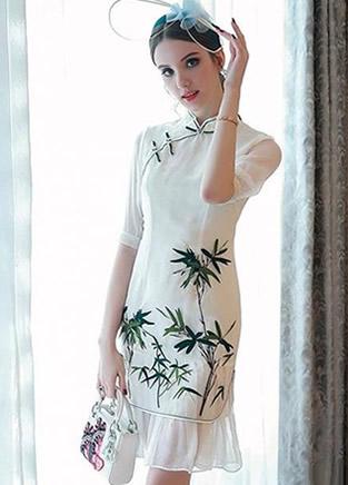 穿上旗袍连衣裙,去哪都有楚楚动人的气质