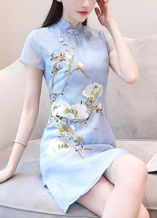 气质淑女的低领旗袍裙,回味民国风情