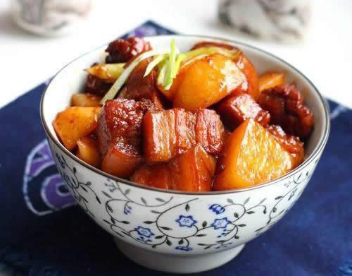 土豆红烧肉的做法大全