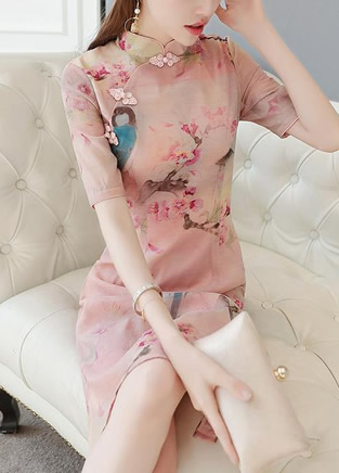 复古旗袍裙,不知是衣美还是人美
