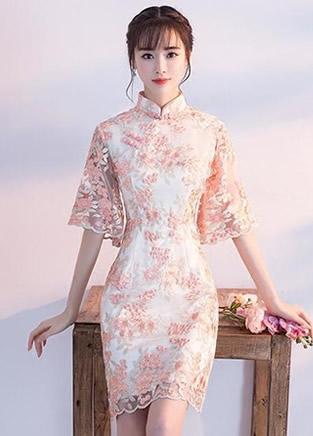 俏皮典雅的蕾丝旗袍裙,收腰又显瘦效果
