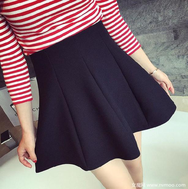 浪漫的夏日 小黑裙魅力无人可挡
