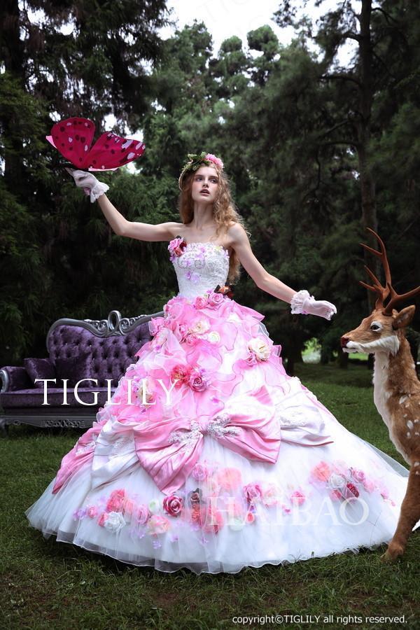 欧美风格唯美婚纱 爱丽丝般的美丽