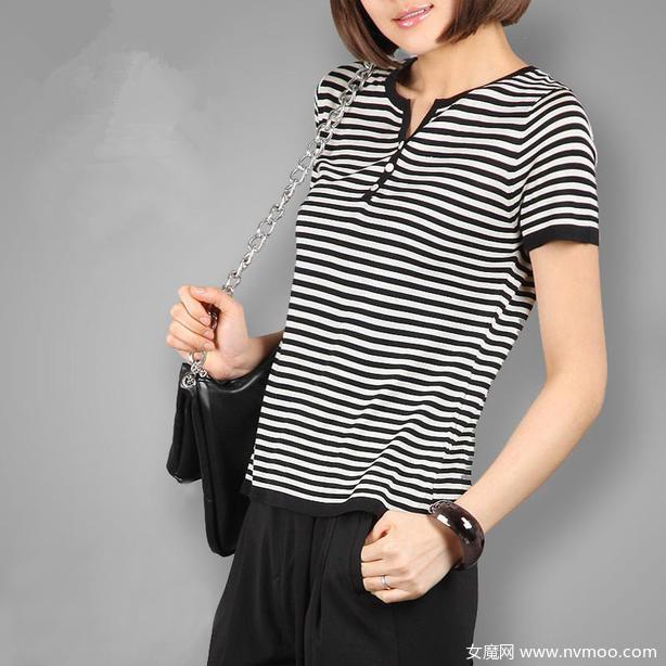 女士黑白条纹t恤