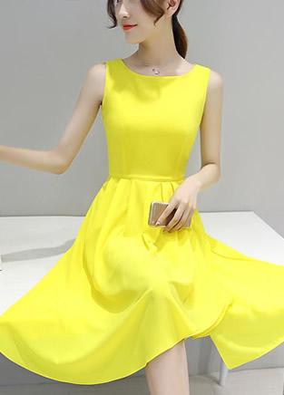 8款减龄的裙衣套装穿出年轻气质