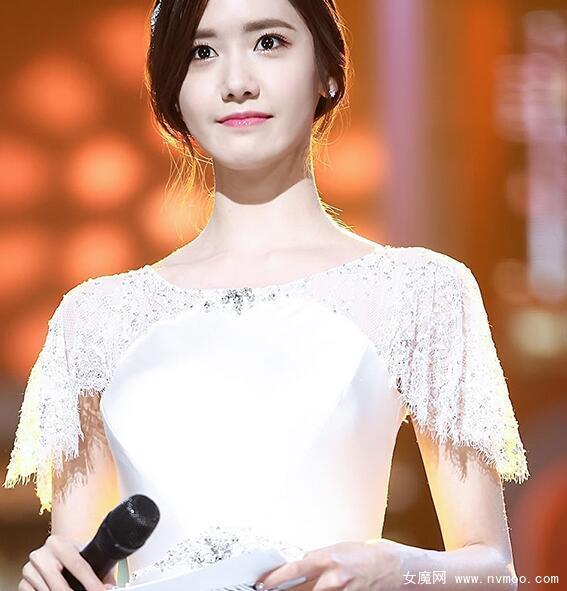 韩版一字肩主持人宴会礼服裙