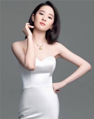 刘亦菲一直不以胸大见长