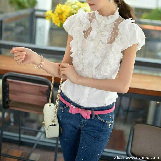 夏季邻家女孩的时尚穿衣搭配法则