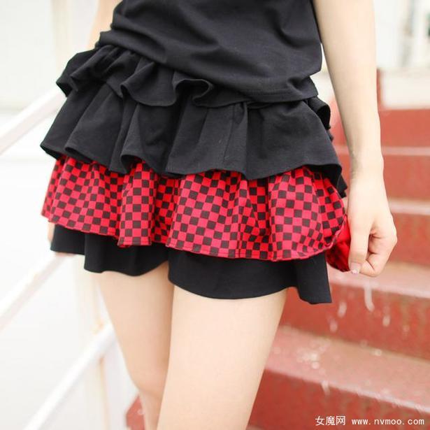 红黑条蛋糕裙