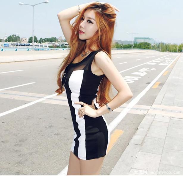 黑白条纹裙修身超短裙