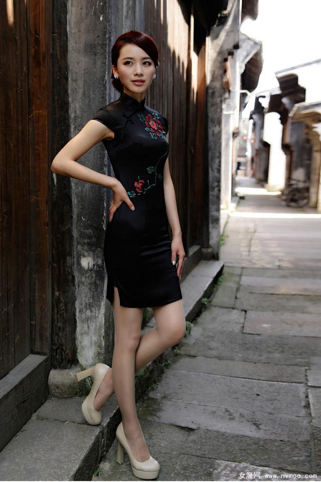 不同款式旗袍美女摄影